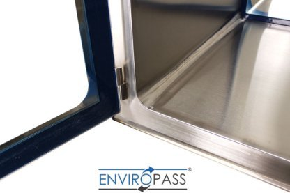EnviroPass® Biologically Safe Pass-through Console with Viewing Windows close up view of EntireSeam™ Seamless welded interior