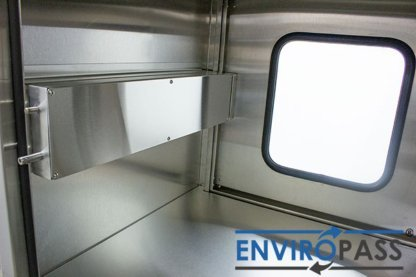 EnviroPass® Stainless Steel Ventilated Pass-Through with HEPA filter gat-ept-w-vpt-332931-ss front interior view of mechanical interlock